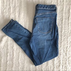 Women's mossimo size 10/30 skinny jeans